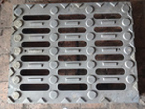 球墨铸铁沟盖板的安装方法